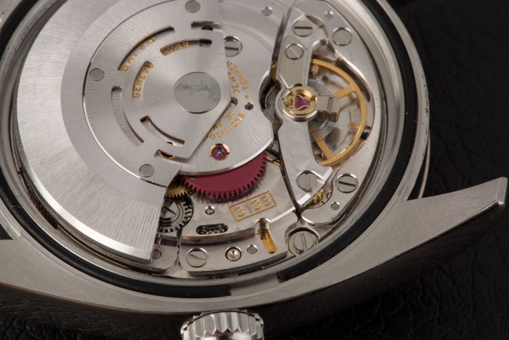 Bảo trì bộ máy rất quan trọng giúp đồng hồ bạn haotj động chính xác hơn