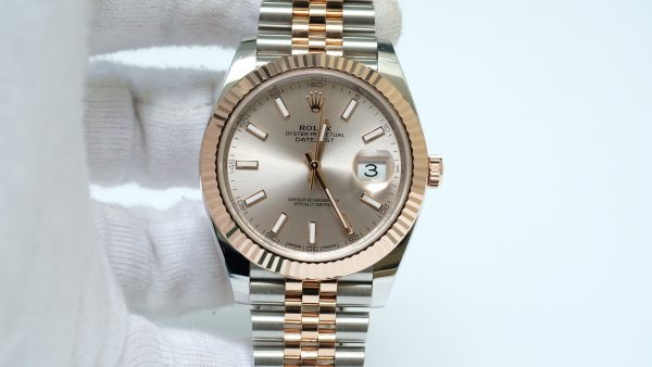 Đồng hồ Rolex Date Just 126331 mặt tia hồng size 41mm