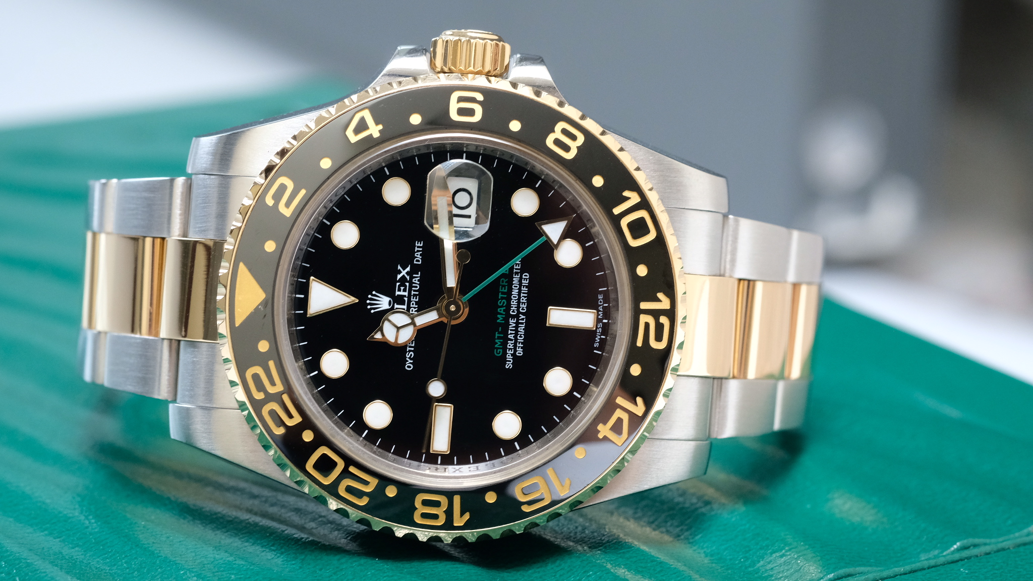 Đồng hồ Rolex GMT Master II 116713LN mặt đen size 40mm