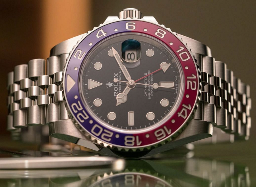 Thiết kế đồng hồ Rolex GMT-Master II 126710BLRO